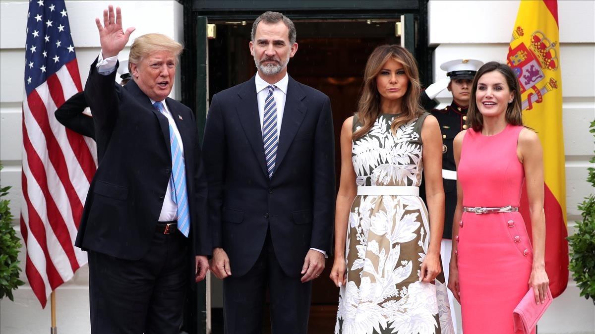 Trump y Melania reciben a los Reyes de España.