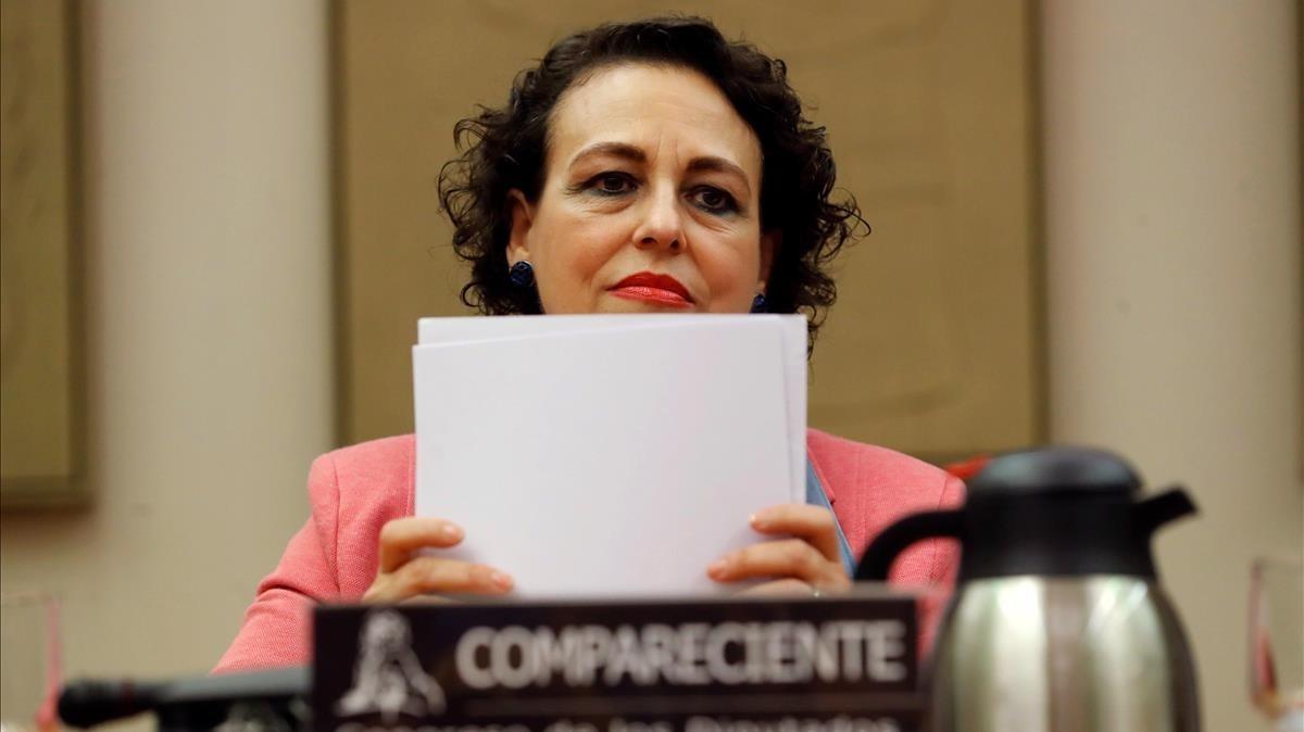 La ministra de Trabajo Migraciones y Seguridad Social,Magdalena Valerio,esta tarde en la Comisión deEmpleo del Congreso.