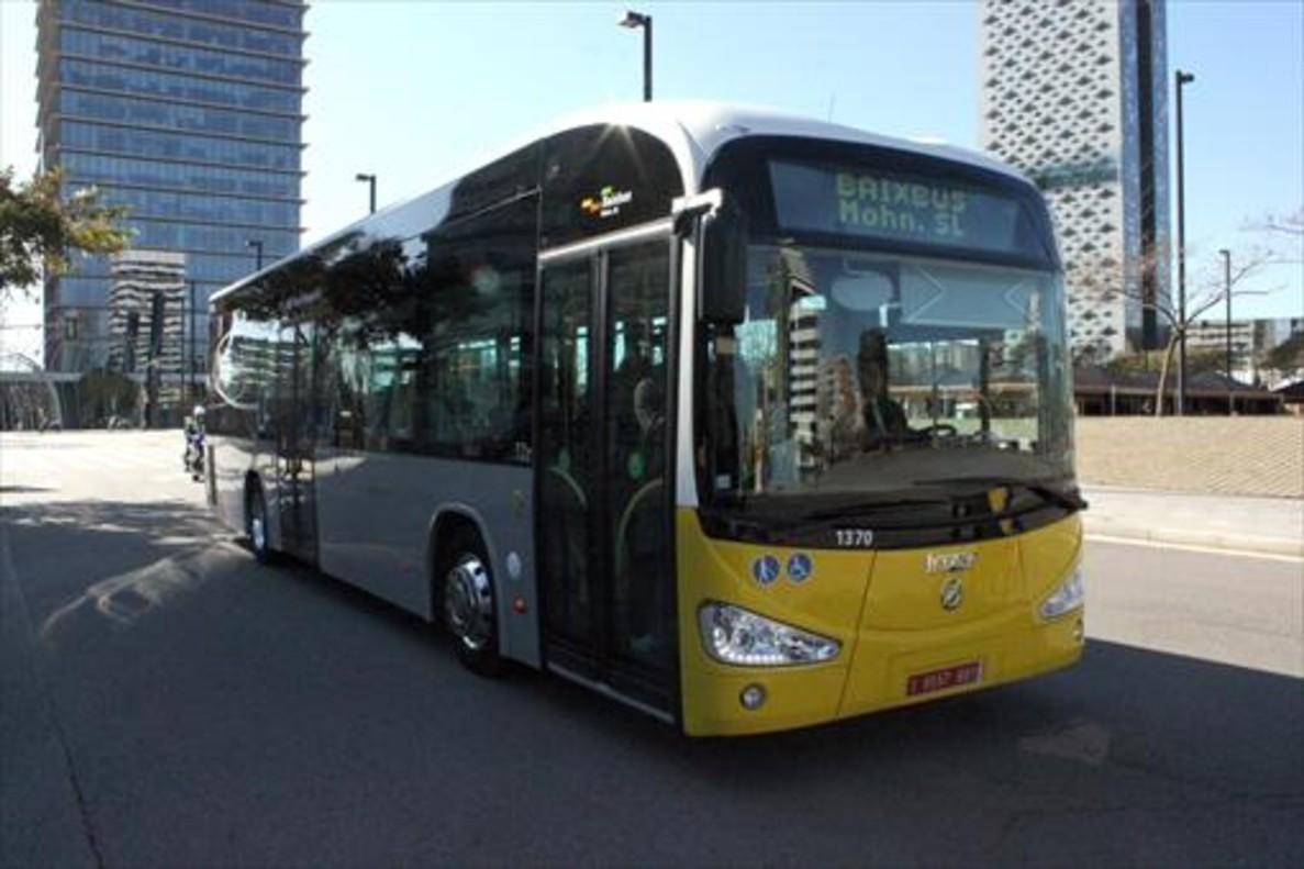 Uno de los autobusesde la flota de Baixbus.