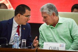El ministro de Exteriores de Venezuela, Jorge Arreaza y el presidente de Cuba,Miguel Díaz-Canel.
