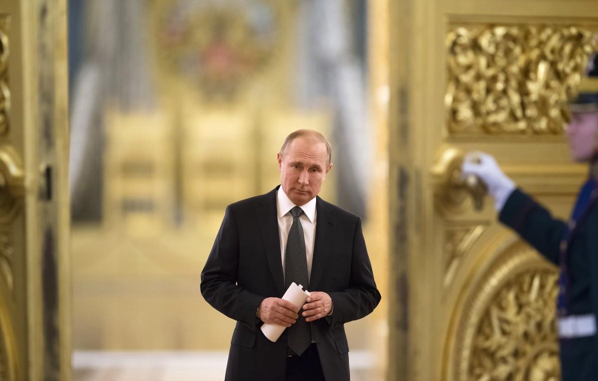 Vladimir Putin se dirige a una reunión en el Kremlin, el pasado 5 de abril.