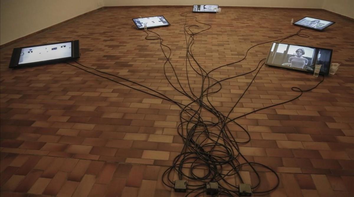 Leak, el trabajo presentado por Cécile B. Evans en la Fundació Miró.