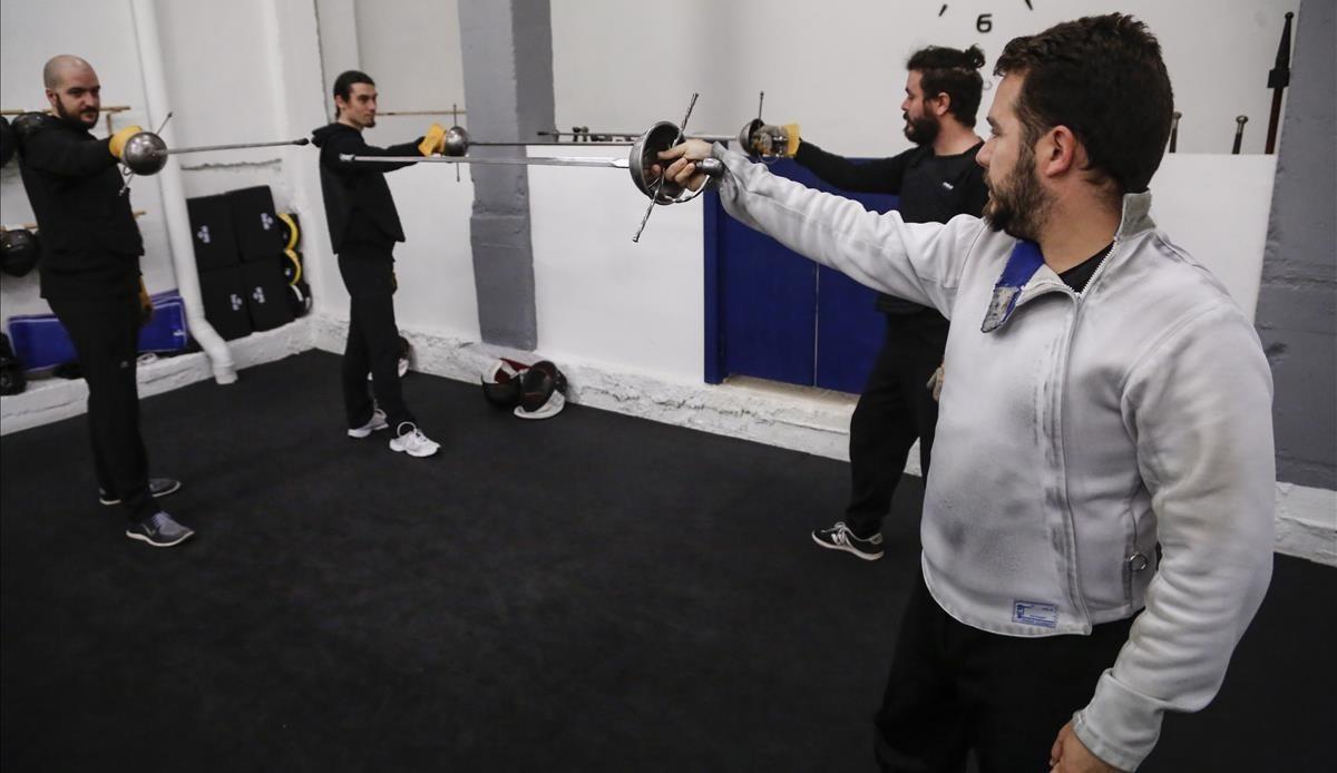 Duels d'espasa a la Vila Olímpica