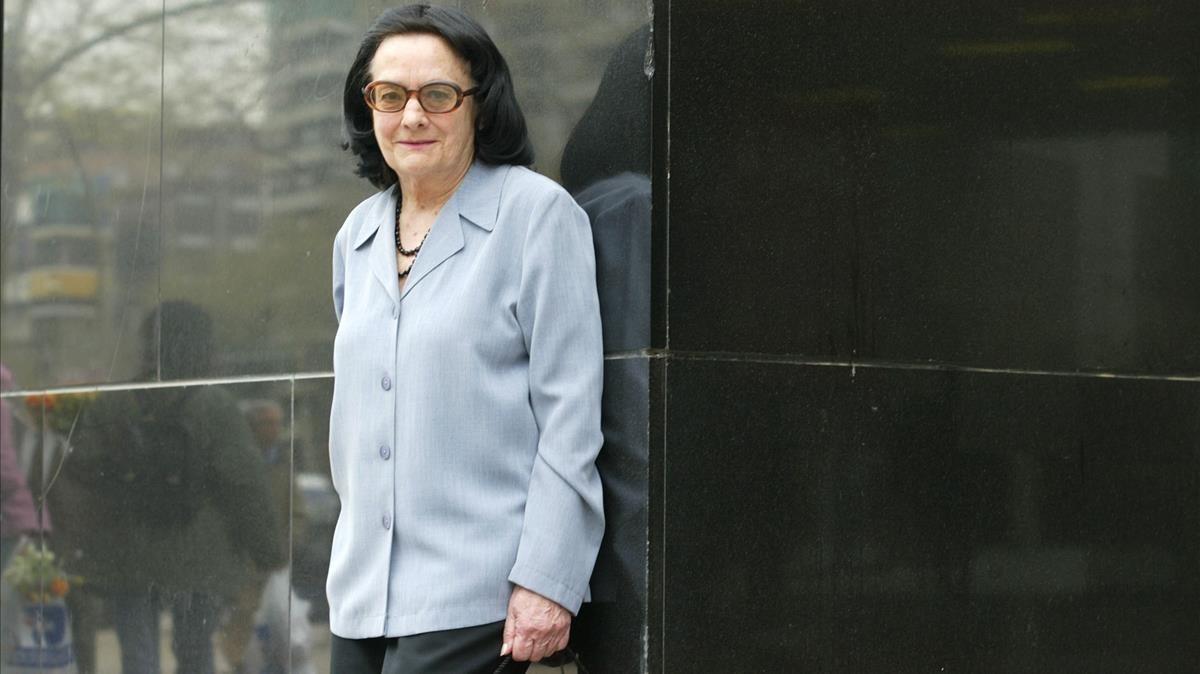 Lluïsa Forrellad, durante la presentación de su segunda novela, Foc latent, en el 2006.