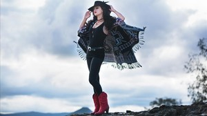 Lindi Ortega, cabalgando hacia la luz