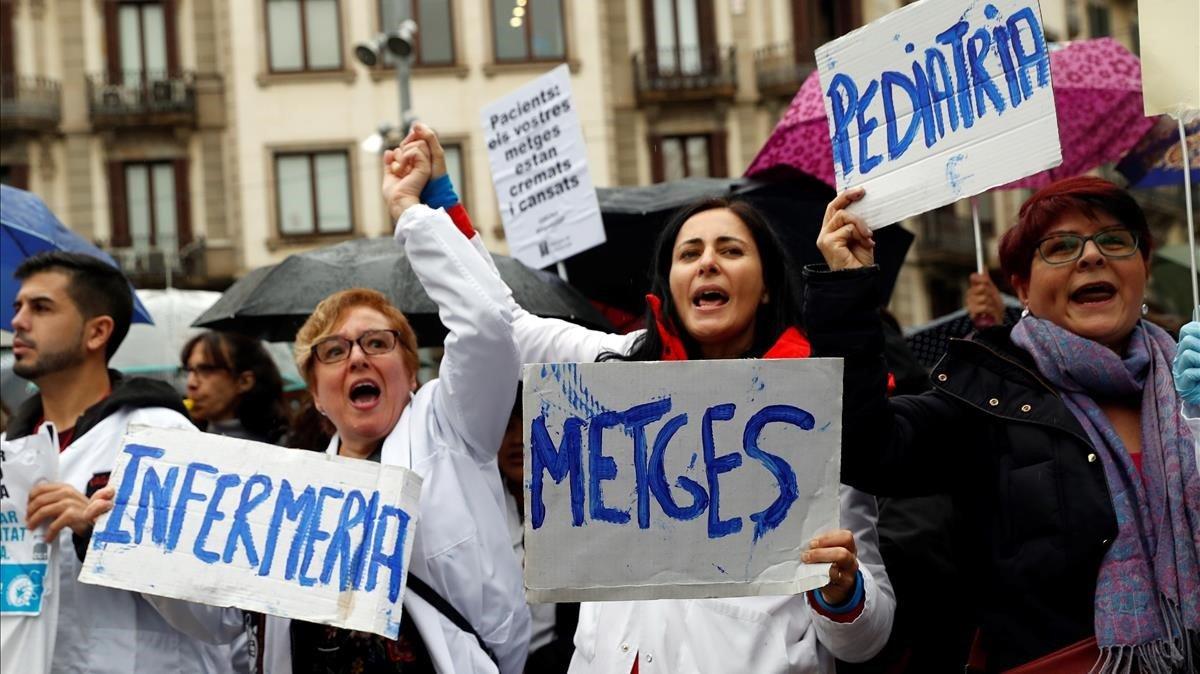 Algunas enfermeras se han sumado a la huelga de primaria convocada por Metges de Catalunya.