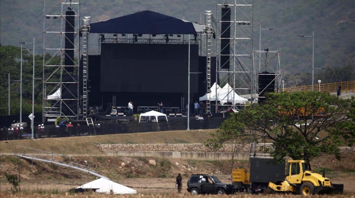 Preparativos del concierto 'Venezuela Aid Live' en Tienditas, cerca de la frontera entre Venezuela y Colombia.
