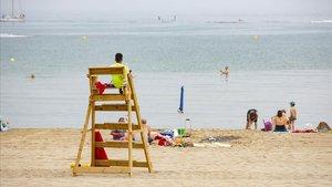 L'Escala, Sant Pere, Roses i Llançà descarten aplicar controls d'accés a les platges
