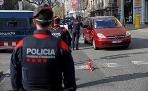 Més de 25.000 identificacions i 2.800 sancions per incomplir el confinament en Catalunya