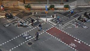 El cruce de la calle de Cartagena con Provença, uno de los más complicados de la ciudad.