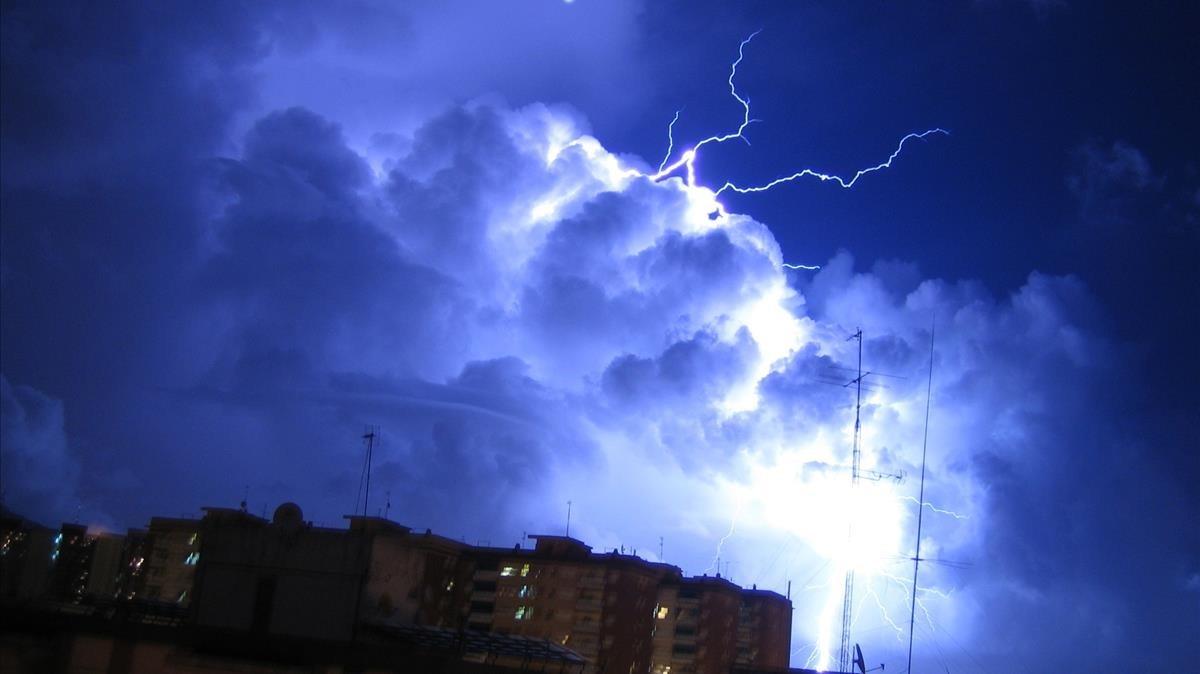 Kirk ha provocadointensas tormentas eléctricas en algunas islas del Caribe.