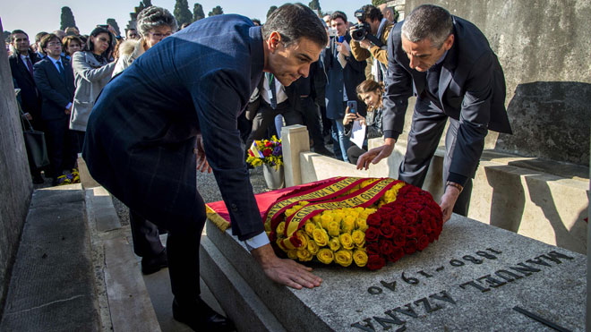 Pedro Sánchez visita la tumba del expresidente Azaña en Francia