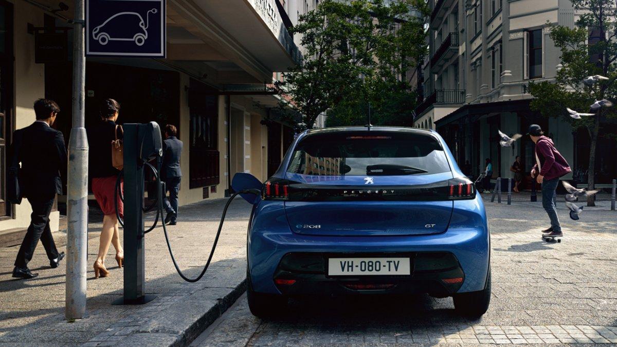Nuevo Peugeot 208 y su versión 100% eléctrica.