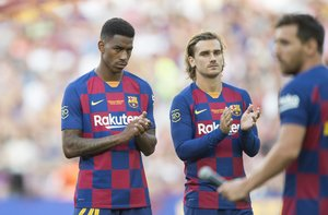 Junior (i) junto a Griezmann, dos de los nuevos fichajes del Barça para la temporada 19/20.