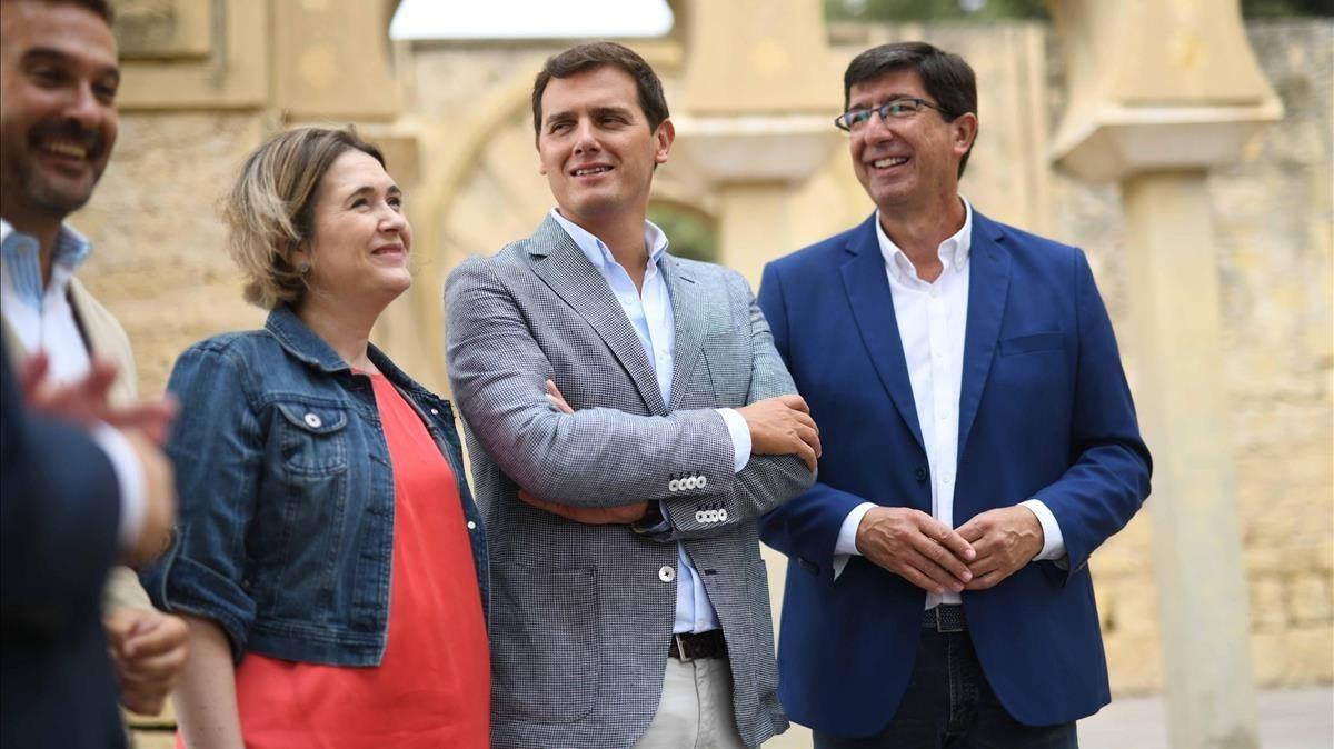El líder de Ciudadanos, Albert Rivera, y su jefe de filas en Andalucía, Juan Marín, en Córdoba