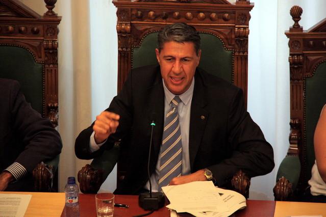 El alcalde de Badalona, Xavier Garcia Albiol, durante el pleno de este lunes.