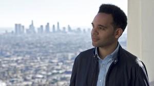 Anele Onyekwere, ingeniero musical granadino que ha participado en 'La La Land', en el observatorio Griffith de Los Ángeles.