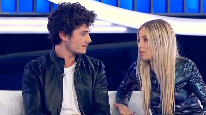 Miki y María, en la gala OT (TVE-1).