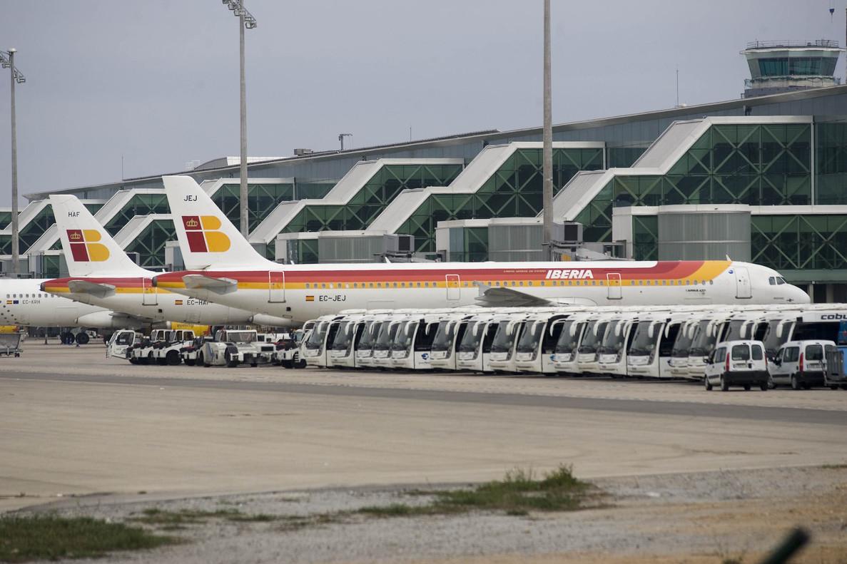 Aviones de Iberia en el aeropuerto de El Prat.