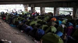 Campamento improvisado de inmigrantes.