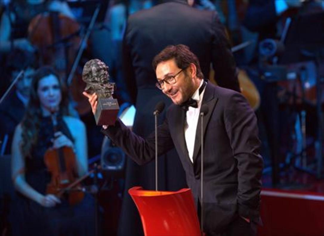 Carlos Santos, mejor actor revelación por 'El hombre de las mil caras'.