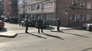Els Mossos localitzen el domicili de l'atacant de Cornellà i es disposen a registrar-lo