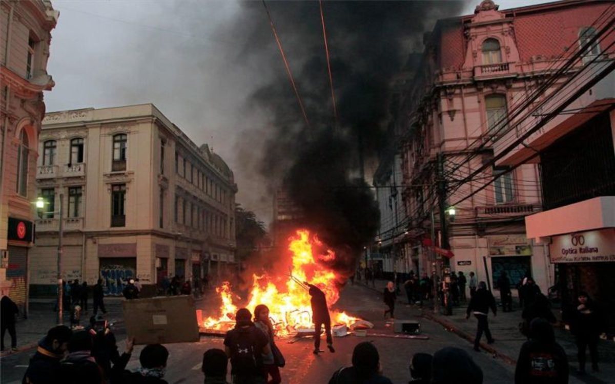 Quemas y saqueos en las protesas de Chile.