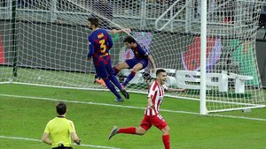 Correa festeja el 2-3 que permitió llegar al Atlético a la final de la Supercopa de España.