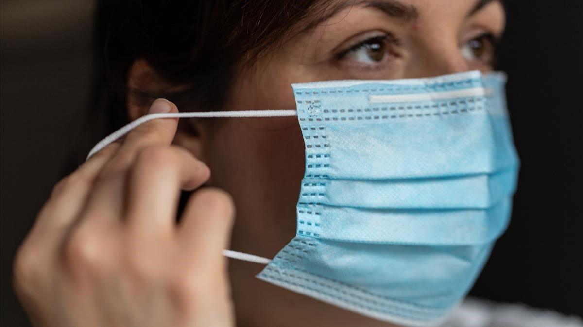 Correos ordena identificar y retirar 1.400 mascarillas defectuosas