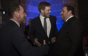 Enric Hernàndez, Antonio Asensio Mosbah yOriol Junqueras, en la gala de los premios Empresa del Año.