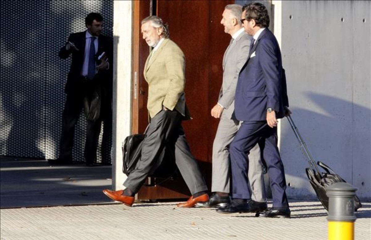 """El Gobierno responde a Crespo y Correa que fue Rajoy quien les """"echó"""" del PP"""