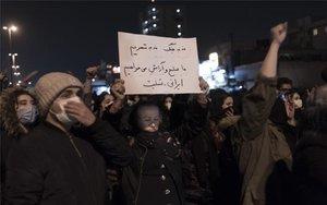 Protestas sociales en Irán por el derribo de un avión ucraniano.