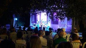 Tornen les nits de jazz als jardins de Can Tinturé d'Esplugues