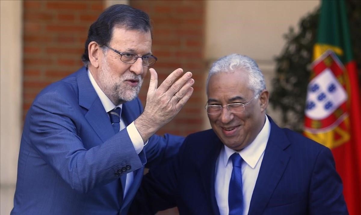 Encuentro entre el presidente del Gobierno, Mariano Rajoy, y el primer ministro de Portugal, Antonio Costa, este lunes en la Moncloa.