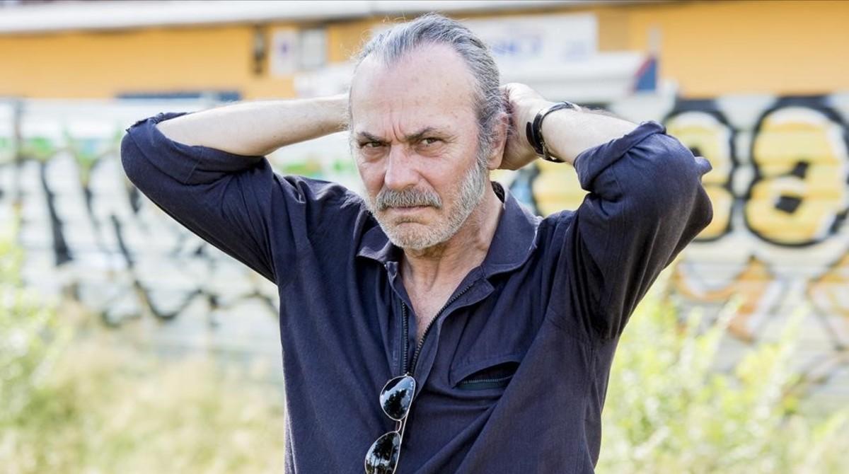 Jose Coronado, durante un descanso del rodaje en Madrid de Gigantes, serie de Enrique Urbizu para Movistar+.