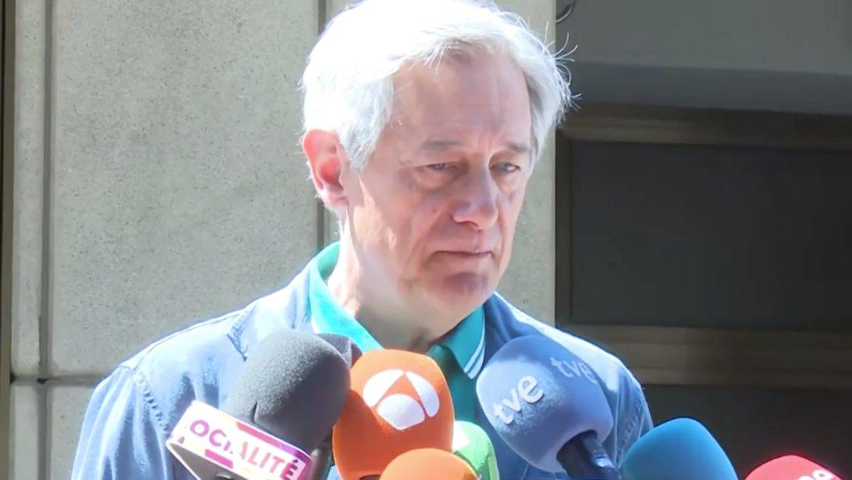 Josema Yuste, uno de los muchos cómicos que han pasado por las numerosas etapas del 'Un, dos, tres', también ha estado presente en la capilla ardiente del realizador.