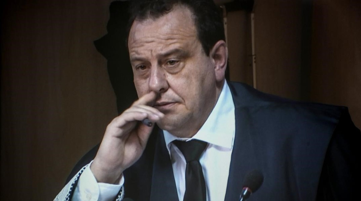 El exfiscal del Caso Nóos, Pedro Horrach, durante las declaraciones de Iñaki Urdangarín ante el tribunal de la Audiencia de Palma.