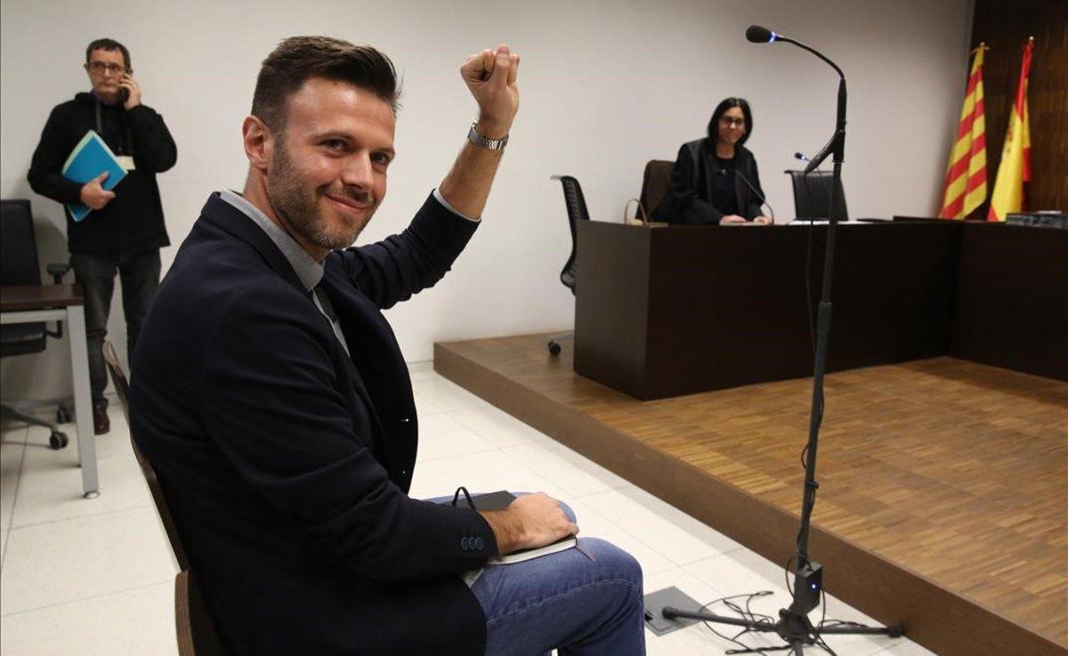 Elexteniente de alcalde de Badalona Josep Téllez, en el banquillo este jueves.