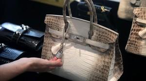 El bolso Birkin, con piel de cocodrilo.