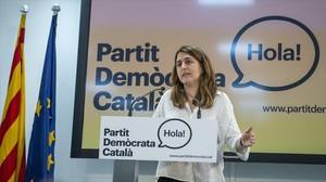 Marta Pascal, ante los periodistas en la sede del partido.
