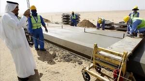 Obreros trabajando en la localidad de Jeddah en el proyecto de alta velocidad que unirán La Meca y Medina.