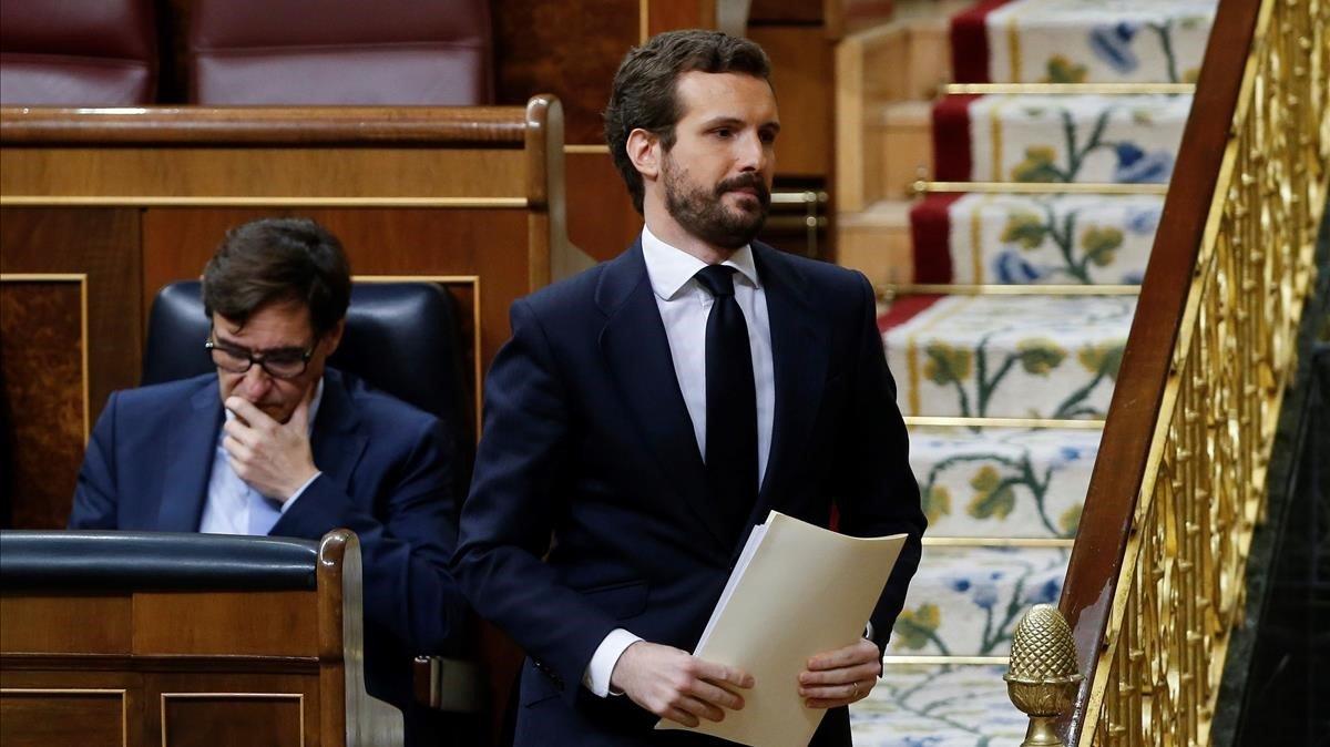 Pablo Casado se dispone a tomar la palabra en el pleno del Congreso del pasado 9 de abril.