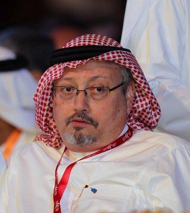 XAH13 DUBAI EMIRATOS ARABES UNIDOS 03 10 2018 - Imagen de archivo que muestra a Jamal Kashoggi periodista saudi y exeditor jefe del periodico Al-Watan durante la inauguracion del Foro de Medios Arabes 2012 en Dubai Emiratos Arabes Unidos el 8 de mayo de 2012 Medios locales informaron hoy 3 de octubre de 2018 de que Khashoggi un conocido periodista y critico del regimen en Arabia Saudi ha desaparecido en Turquia tras acudir al consulado de su pais en Estambul EFE Ali Haider