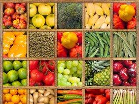 Frutas y verduras variadas.