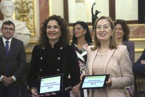 Montero porta els Pressupostos 2019 al Congrés | Directe