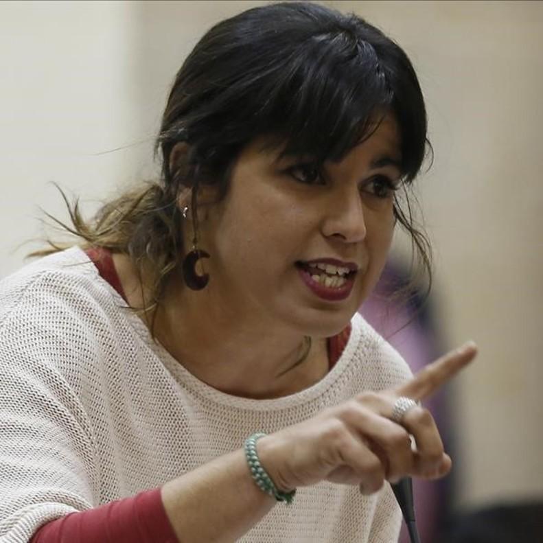 Teresa Rodríguez.Es la coordinadora de Podemos en Andalucía, una de las políticas más comprometidas con la causa feminista del panorama española y partidaria del lenguaje inclusivo.