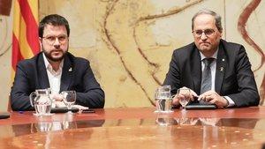 Torra y Aragonès, en el Consell Executiu extraordinario tras la inhabilitación de Torra, este viernes.