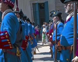 EL TRICENTENARIO Soldados 'miquelets' en formación en el parque de la Ciutadella.