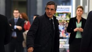 Fillon va rebre 48.500 euros en vestits pagats per un mecenes anònim