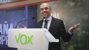 El portavoz de Vox, Jorge Buxadé, durante la noche electoral del 10-N